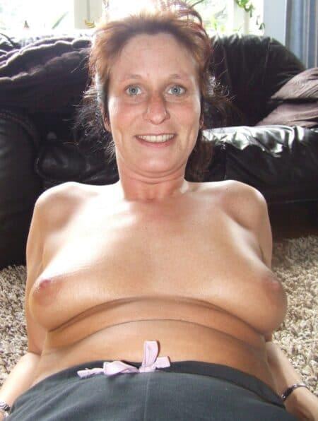 Belle femme coquine qui cherche un vrai plan sexe mature