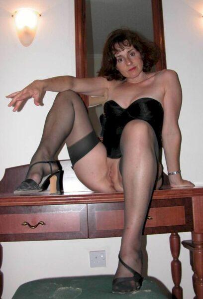 Cougar sexy soumise pour homme domi très souvent dispo