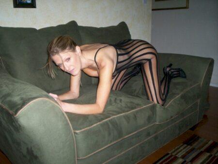 Femme cougar sexy réellement motivée recherche un gars endurant