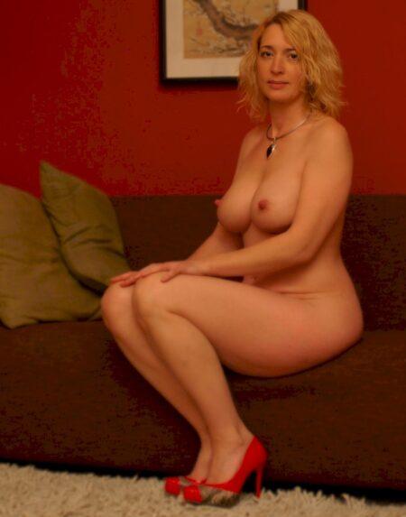Site de pute gratuite en ligne ! Rencontre chaude - annonces salope à gogo ! Femme cougar soumise pour mec séduisant