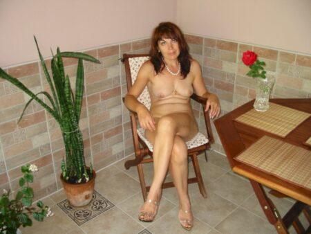 Pour un plan entre libertins chaud avec un célibataire docile sur Amiens