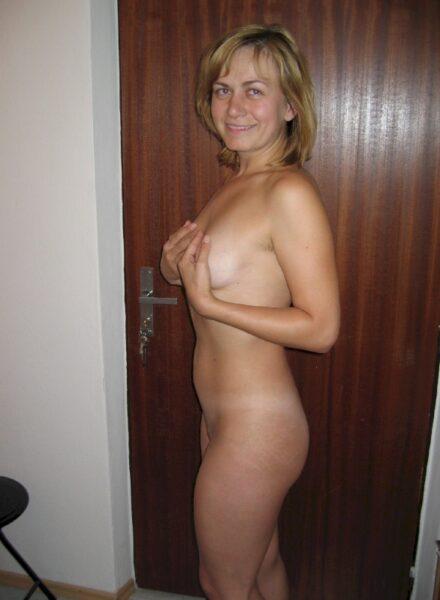 Salope sexy très en manque recherche un mec impudique