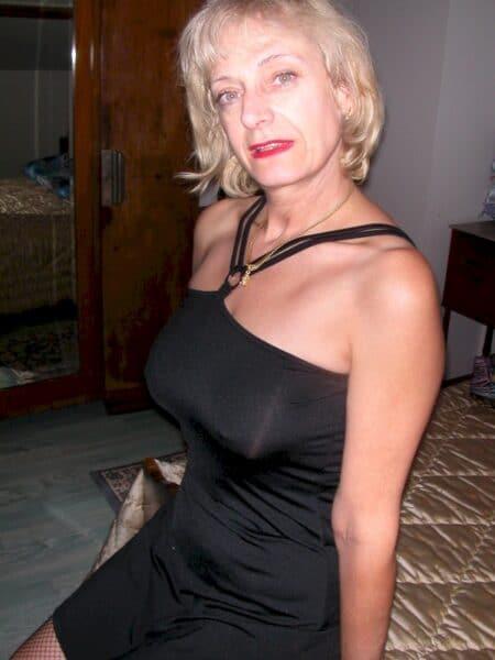 Site de pute gratuite en ligne ! Rencontre chaude - annonces salope à gogo ! Une cougar coquine sur le 46 pour de la rencontre chaude